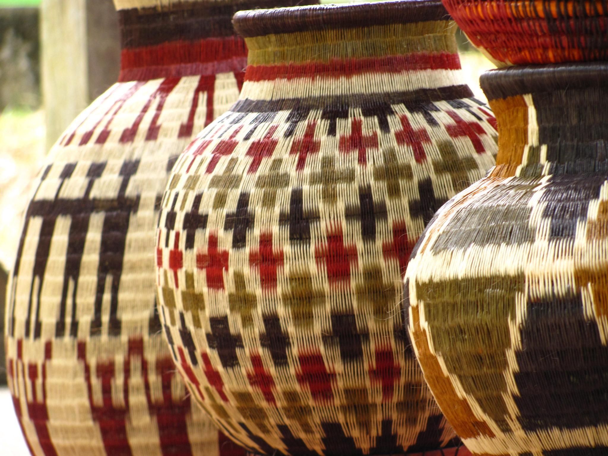 Artesanías_indígenas_en_werregue,_Jardín_Botánico_La_Manigua_By_Pilar_Quintana